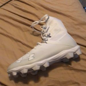 size 8.5 under armor foot ball cleats
